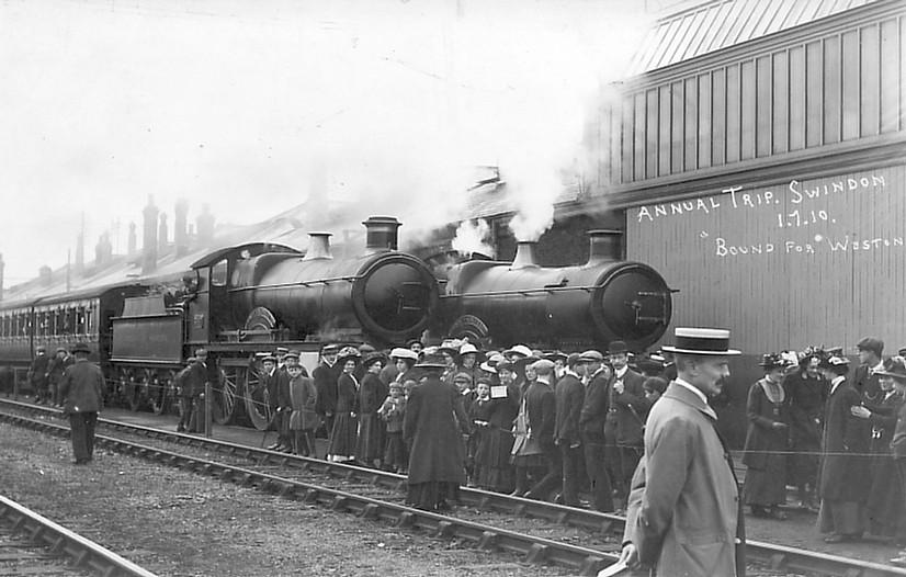 ANNUAL TRIP (WESTON-S-MARE) 1910