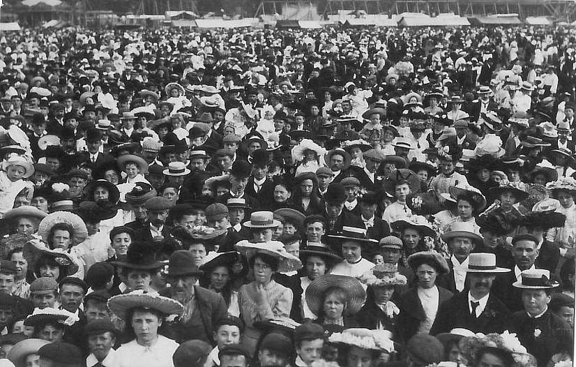 FETE CROWD (XX) 1907