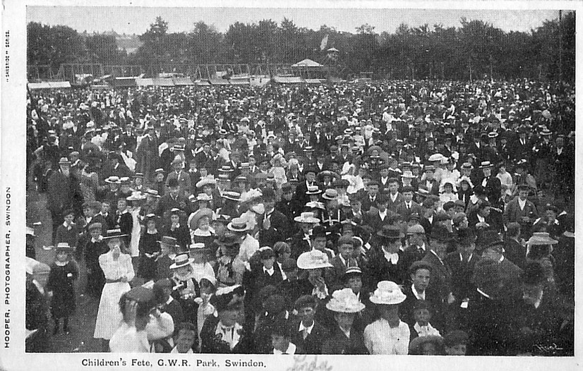 FETE CROWD (XXXX) 1907